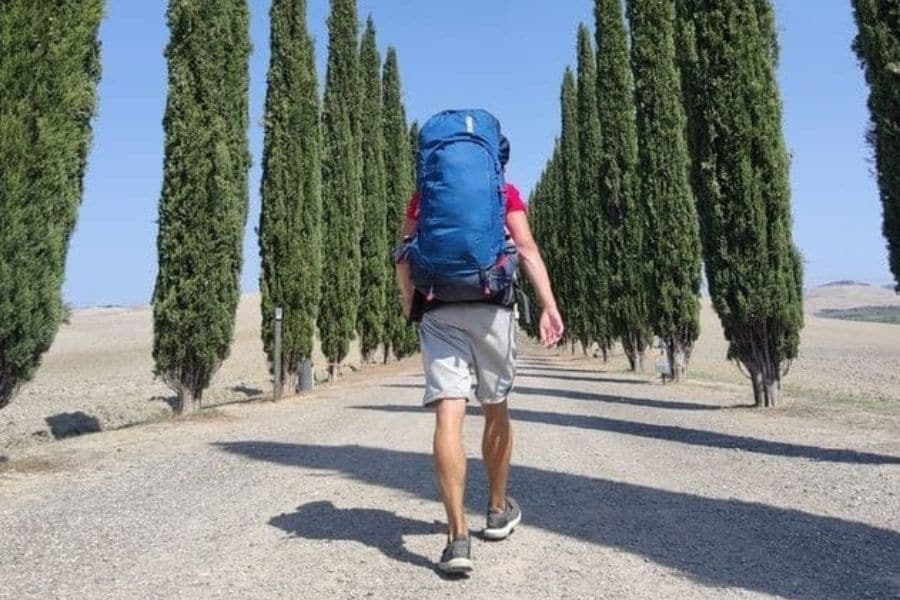 backpacking in tuscany