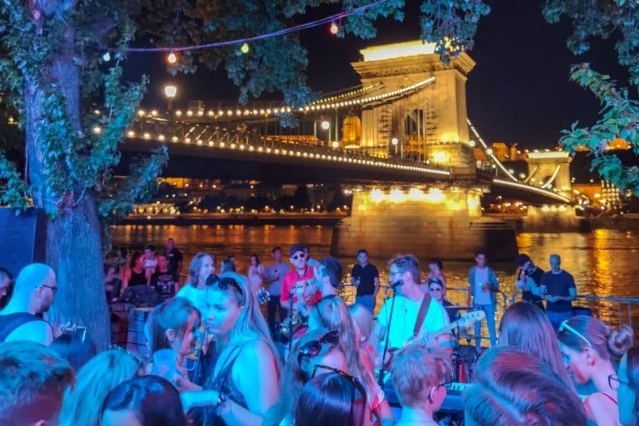 Nightlife in Budapest. Weekend in Budapest