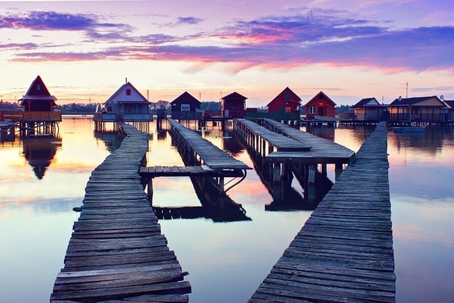 bokod floating houses