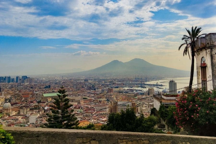 backpacking naples travel guide