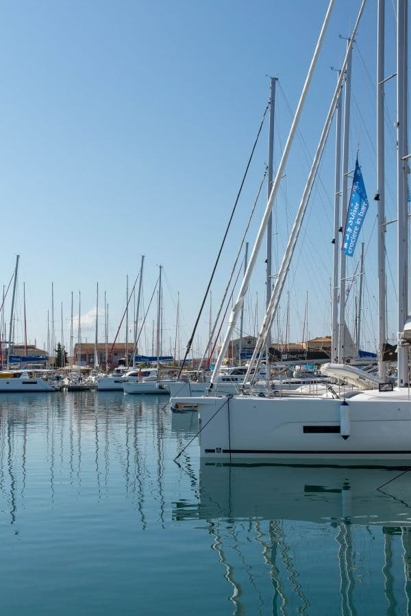 yacht cruising in Lefkada
